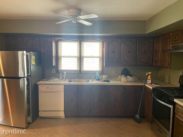 144 Miresa cir, Staten Island, NY - $2,500 USD/ month