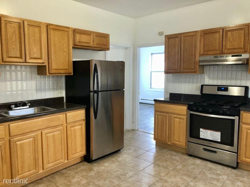 22 E 16th St 3D, Bayonne, NJ - $1,474 USD/ month