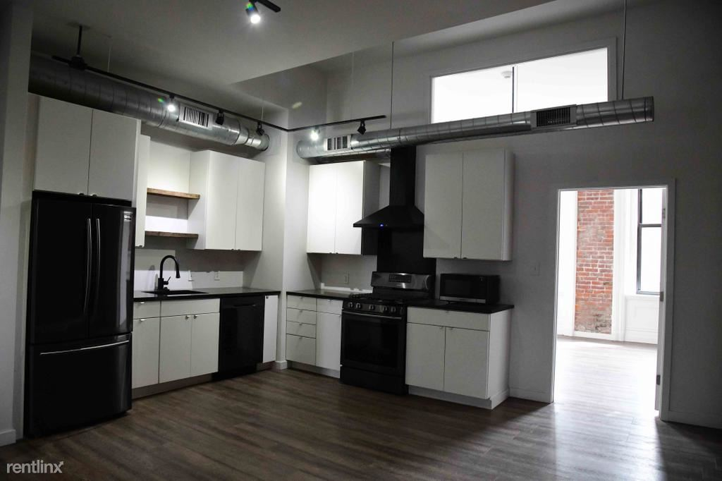 4411 Butler St 2nd Floor, Pittsburgh, PA - $2,100 USD/ month