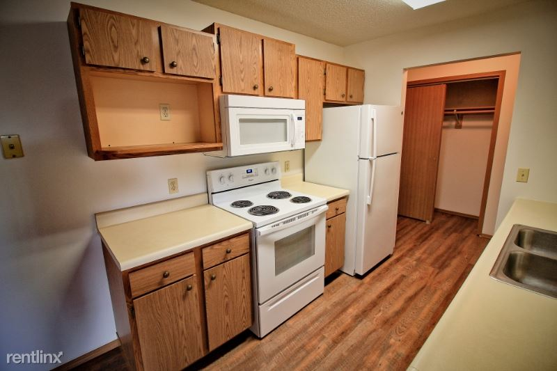 6500 W 43rd St 28, Sioux Falls, SD - $800 USD/ month