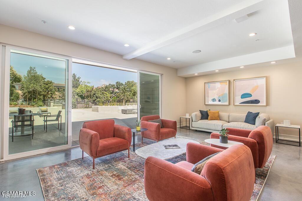 77 N Conejo School Rd Unit 207, Thousand Oaks, CA - $3,600 USD/ month