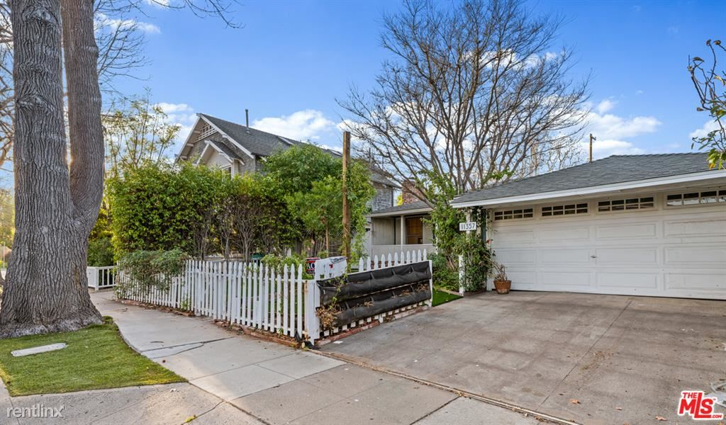 11357 Berwick St, Los Angeles, CA - $8,950 USD/ month