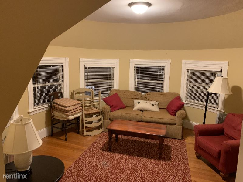 252 Wayland Ave 6, Providence, RI - $1,900 USD/ month