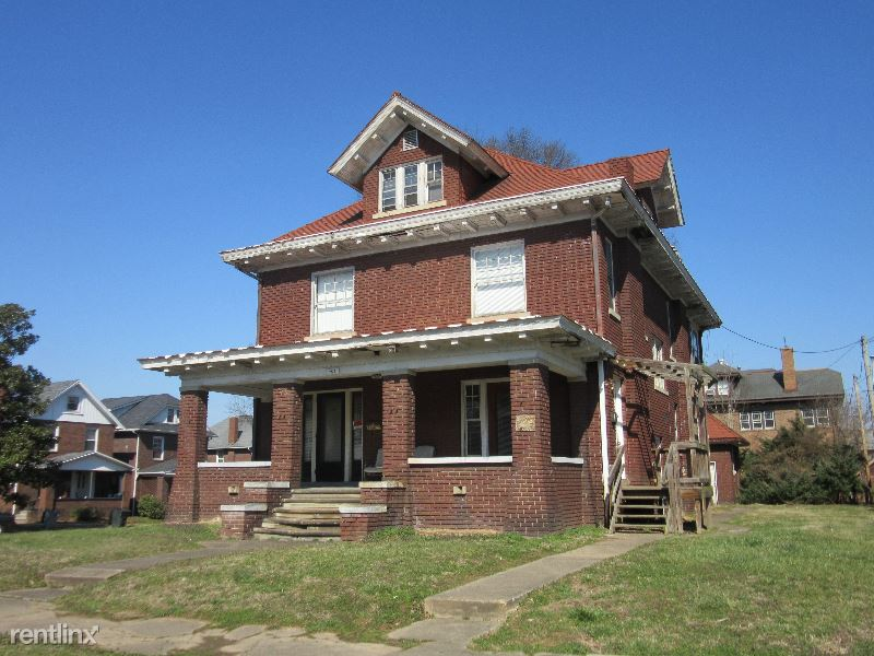 702 10th Ave, Huntington, WV - $545 USD/ month