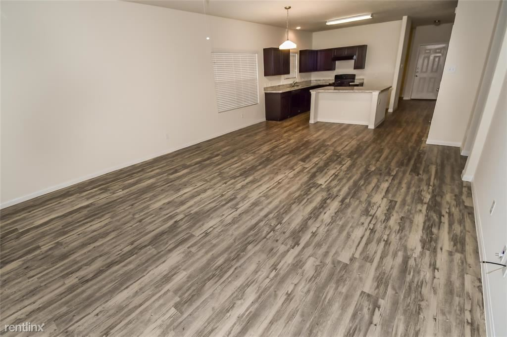 815 Desoto Drive, Richmond, TX - $1,775 USD/ month