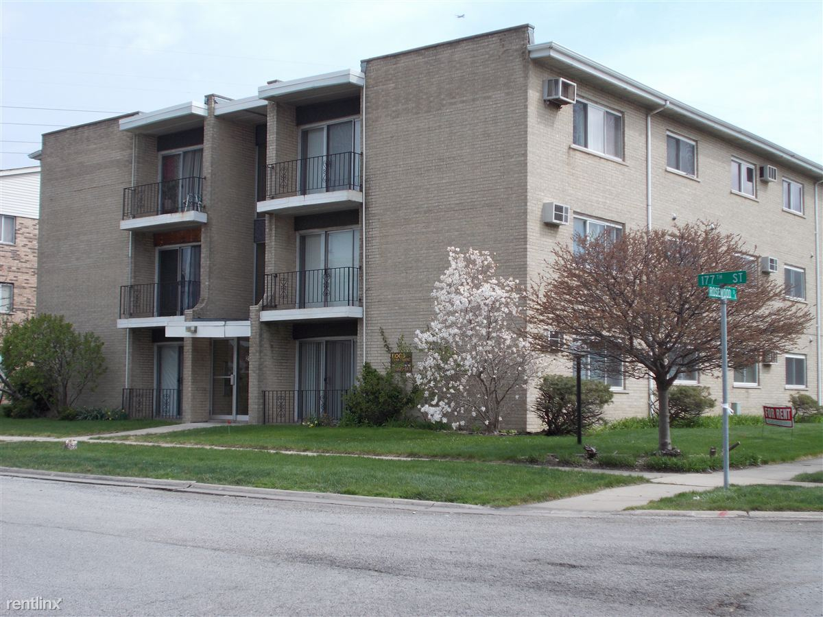 2107 177th St, Lansing, IL - $895 USD/ month