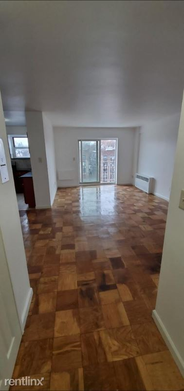 Bruce Avenue, Yonkers, NY - $1,600 USD/ month