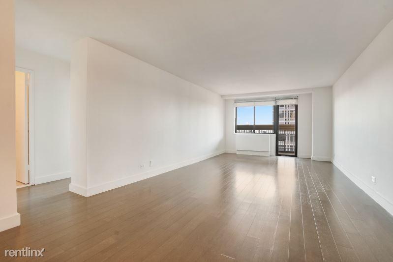 e 33, New York, NY - $7,795 USD/ month