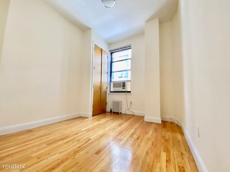 east 24th street - 4354USD / month
