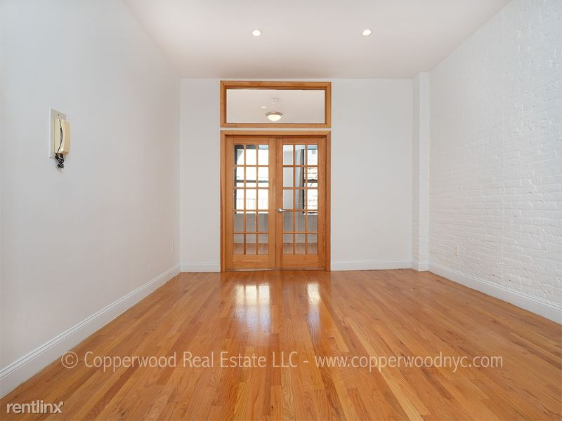 430 East 89th Street 3A, Upper East Side Manhattan, NY - $1,916 USD/ month