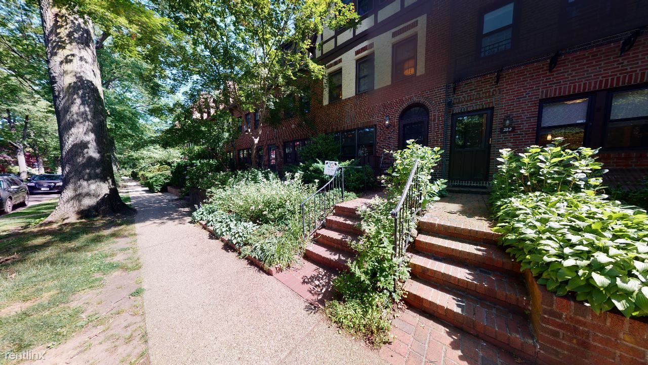 282 Burns St, Forest Hills, NY - $3,900 USD/ month