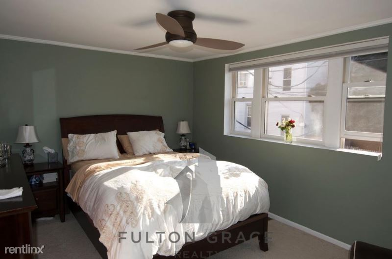 2849 N Southport Ave O3, Chicago, IL - $5,200 USD/ month