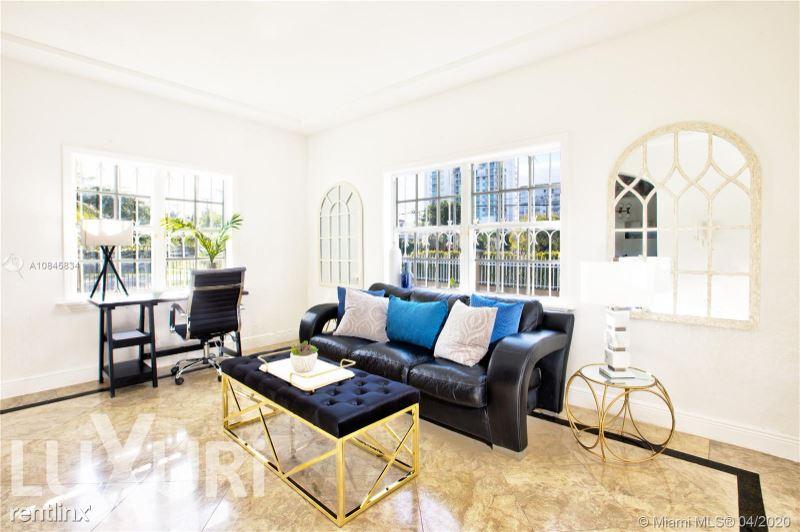 167 SW 20th Rd, Miami, FL - $21,500 USD/ month