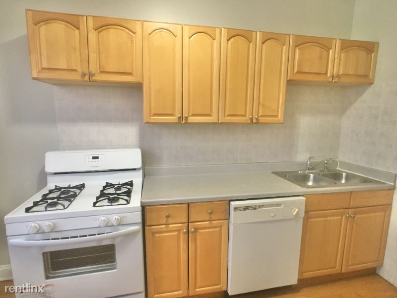 6740 Lakewood ave 3, Chcago, IL - $1,300 USD/ month