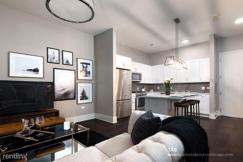 2050 N Clark St 3, Chicago, IL - $5,700 USD/ month