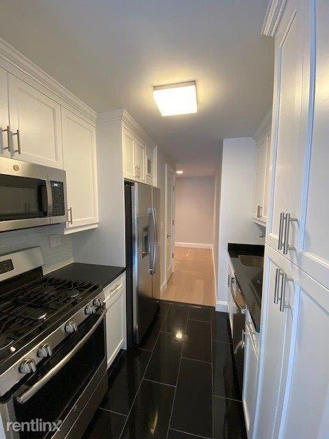154 W 68th St, New York, NY - $5,125 USD/ month