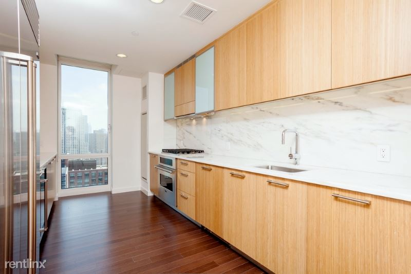 201 N End Ave, New York, NY - $22,286 USD/ month