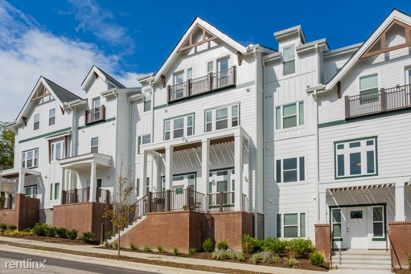 Porter, Nashville, TN - $2,275 USD/ month