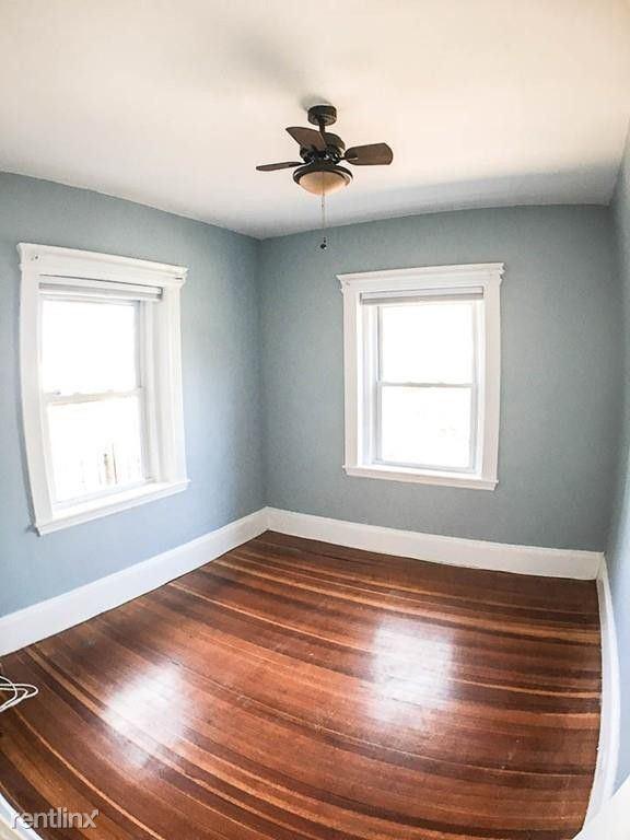 654 Metropolitan Ave, Boston, MA - $1,500 USD/ month