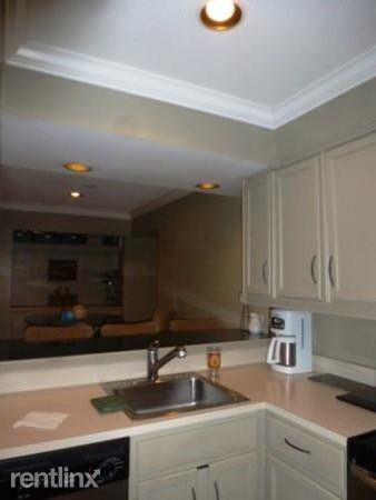 60 Gibson St, Boston, MA - $1,100 USD/ month