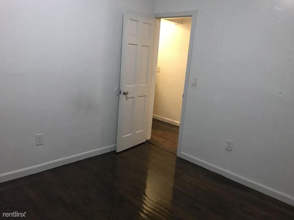 33 Glenarm St, Boston, MA - $1,800 USD/ month