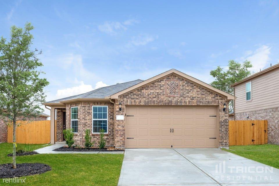 328 Summer Horse Drive, La Marque, TX - $1,749 USD/ month