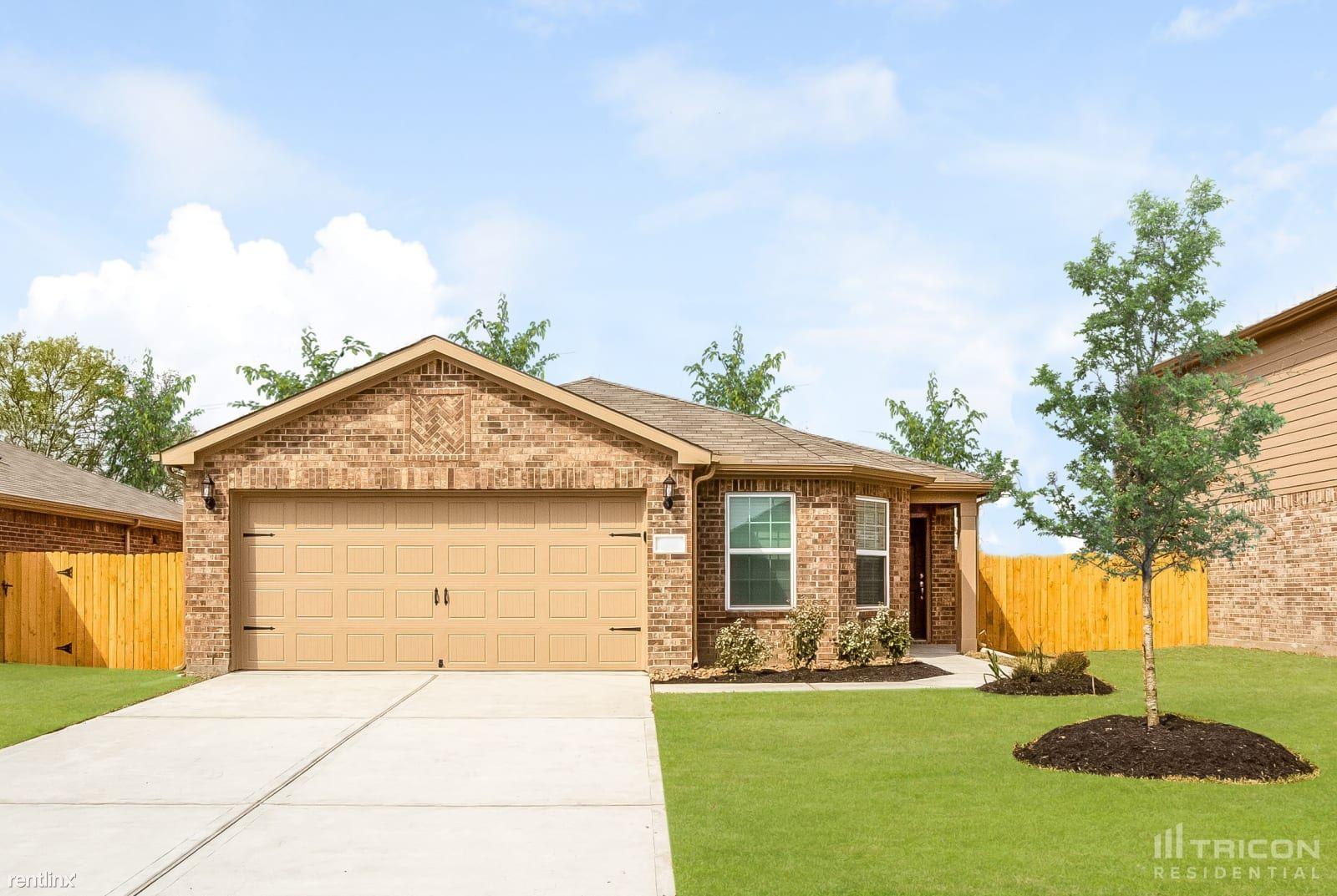 305 Summer Horse Drive, La Marque, TX - $1,759 USD/ month