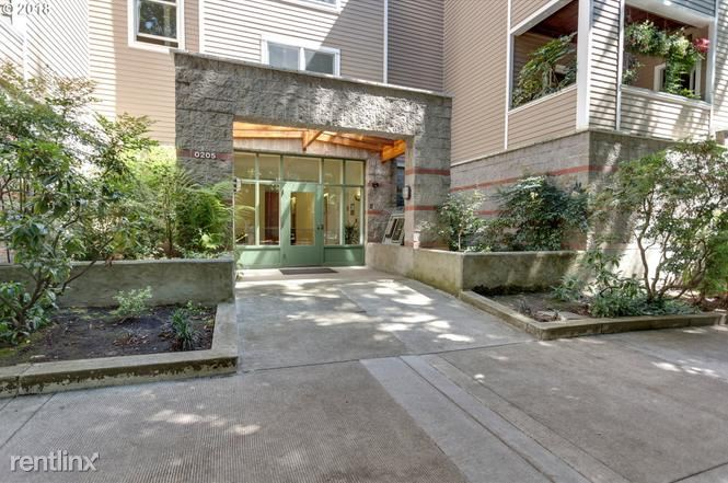 205 SW Montgomery St 204, Portland, OR - $2,195 USD/ month