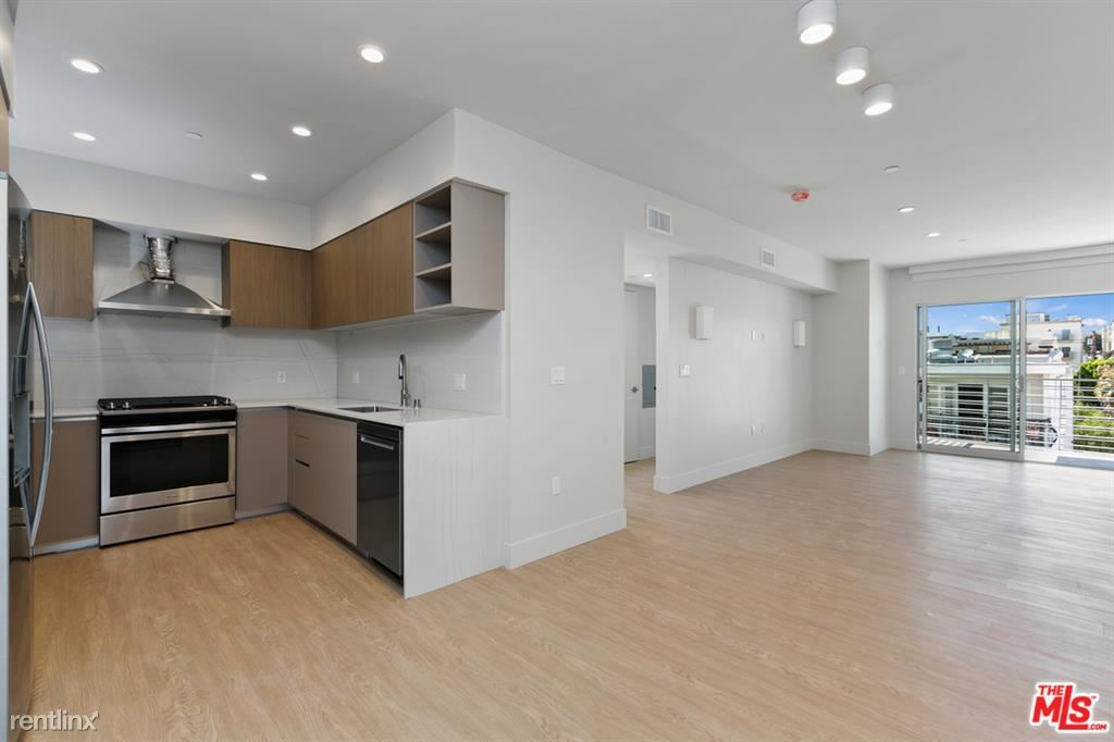 11837 Mayfield Ave Apt 404, Los Angeles, CA - $6,295 USD/ month