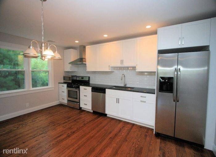 Main St E, West Harrison, NY - $3,900 USD/ month