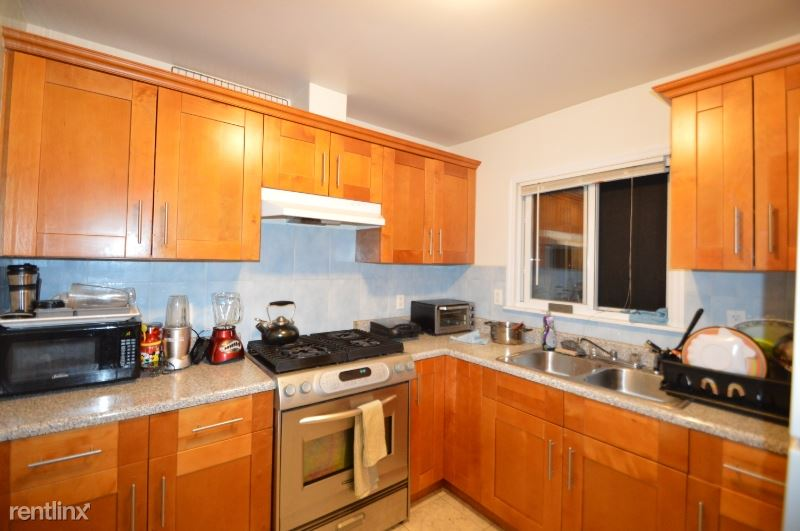 6608 102 ST, Rego Park, NY - $2,600 USD/ month