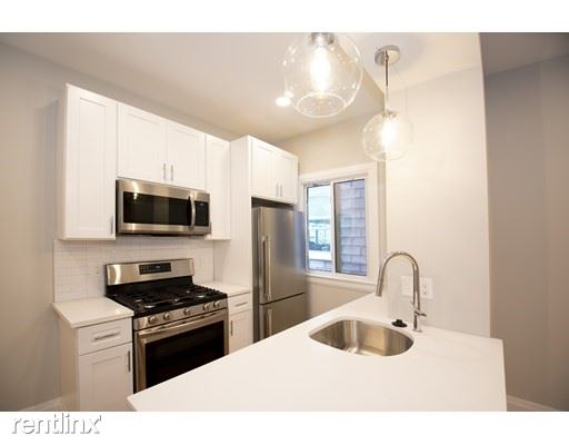 283 Chelsea St, Boston, MA - 3,300 USD/ month