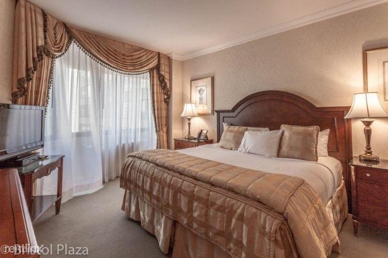 211 E 65th St, New York, NY - $6,650 USD/ month