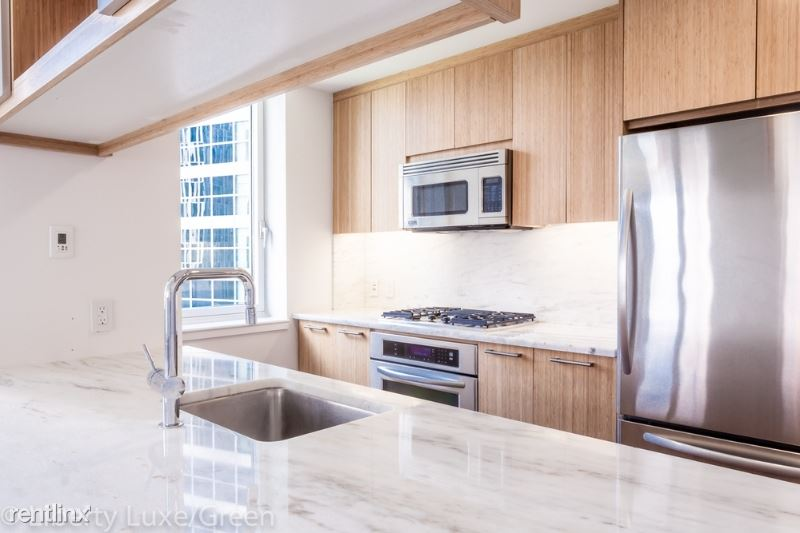 202 N End Ave, New York, NY - $13,496 USD/ month