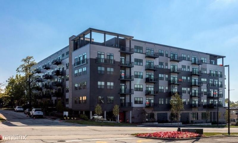 760 Central Ave 6H, Highland Park, IL - $4,436 USD/ month