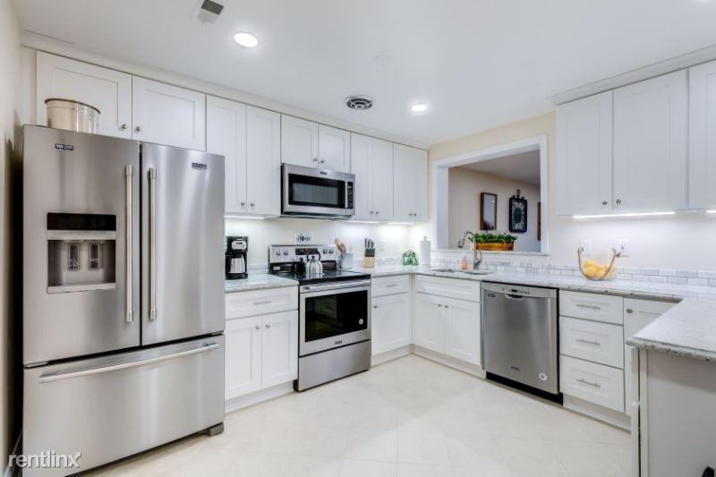 1721 South Hayes Street A, Arlington, VA - $3,400 USD/ month