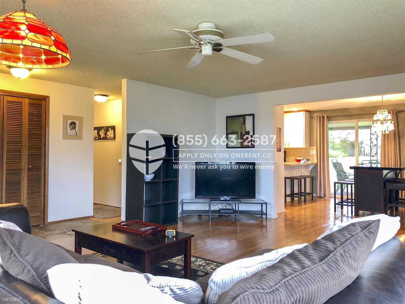 1220 East Laurel Street, Kent, WA - $2,500 USD/ month
