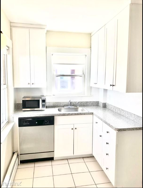 238 Washington St, Westwood, MA - $1,750 USD/ month