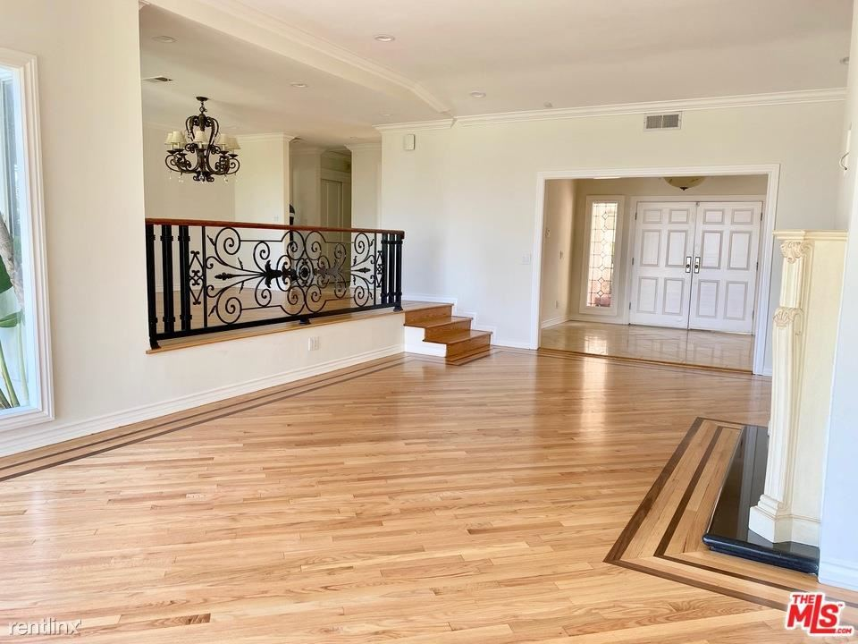 8157 Mulholland Ter, Los Angeles, CA - $9,700 USD/ month