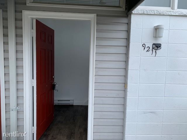 9211 Densmore Ave N, Seattle, WA - $2,550 USD/ month