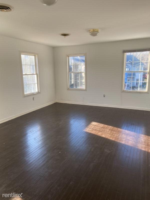 101 E Main St, Stevensville, MD - $2,400 USD/ month