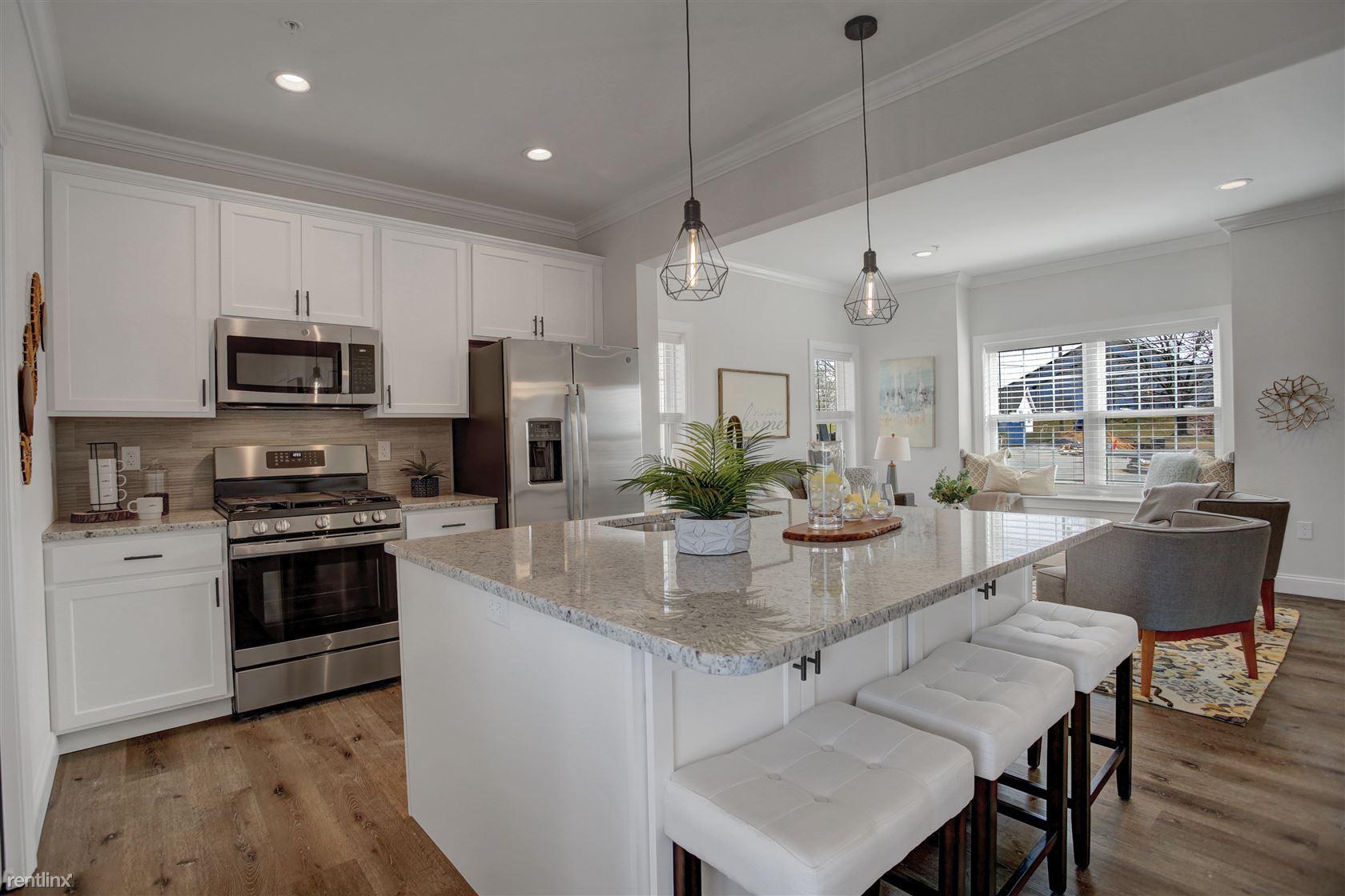 985 Old Elizabethtown Rd, Elizabethtown, PA - $1,695 USD/ month