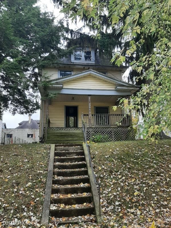 930 Marshall Ave, New Castle, PA - $795 USD/ month