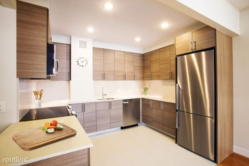 W 70th St, New York, NY - $8,250 USD/ month