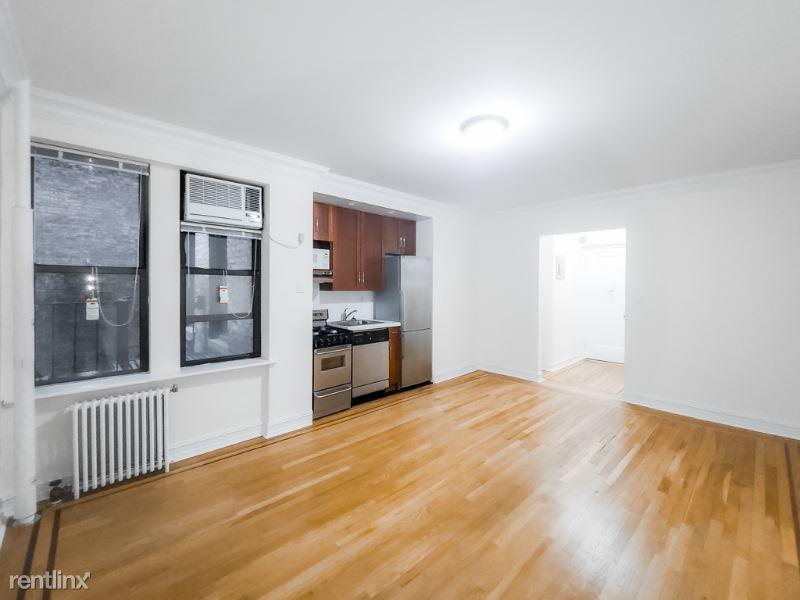 214 E 51 St 5D, New York, NY - $1,512 USD/ month
