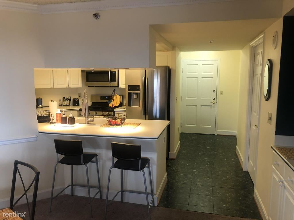 1276 N Wayne St 430, Arlington, VA - $2,700 USD/ month