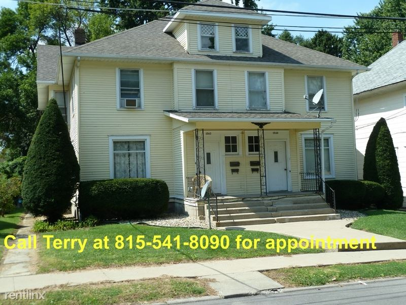 1240 S. Maple Ave. lower, Freeport, IL - $450 USD/ month