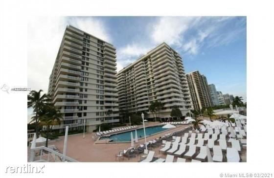 9801 Collins Ave - 4600USD / month