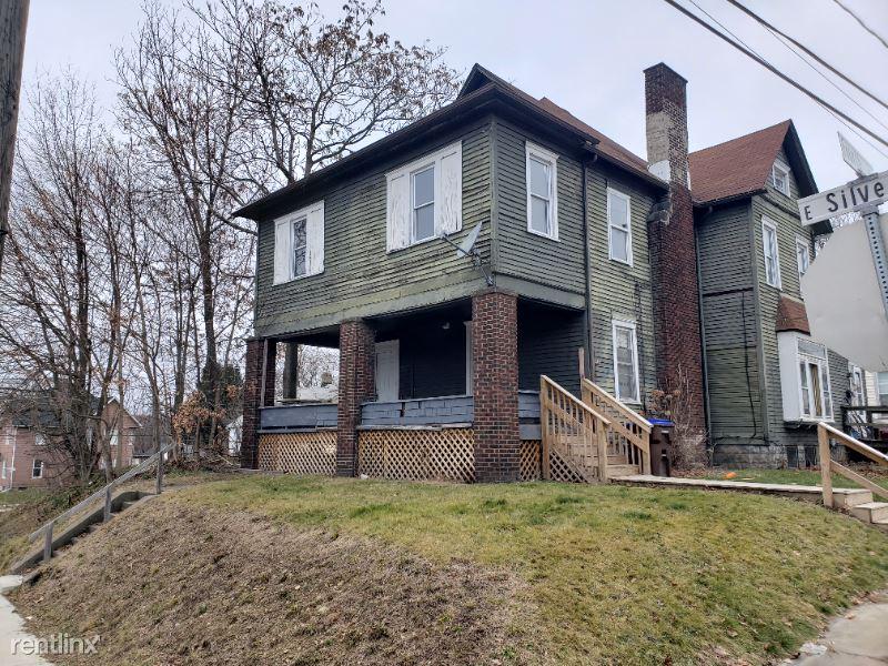 447 E. Silver Street A, Sharon, PA - $795 USD/ month