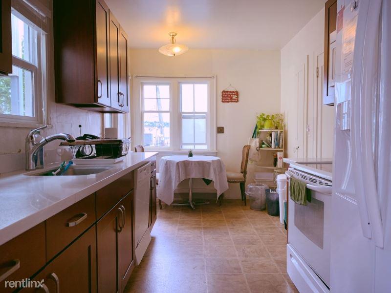 2401 Boylston Ave E, Seattle, WA - $3,500 USD/ month